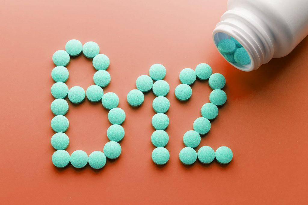Vitamina B12 ayuda con la vitamina B9